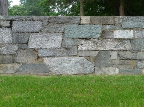 My good friend and colleague Jane Shoplick pointed out that not all the stones are squared; some are angle-cut, which imparts even more character to the wall.
